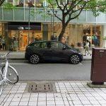 BMW i3の細いタイヤ、スーパーカー並みの広いトレッドについて
