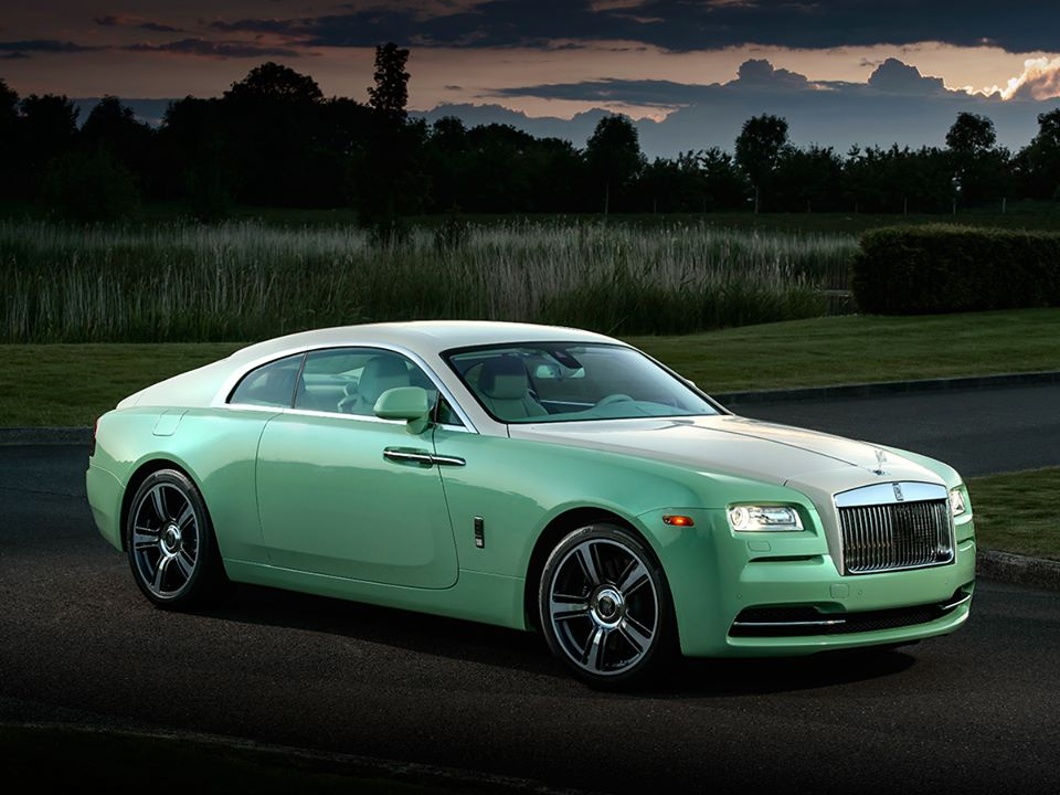 この画像には alt 属性が指定されておらず、ファイル名は Rolls-Royce-2.jpg です