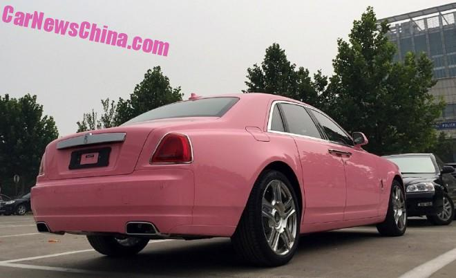 rolls-royce-ghost-china-pink-3-660x402
