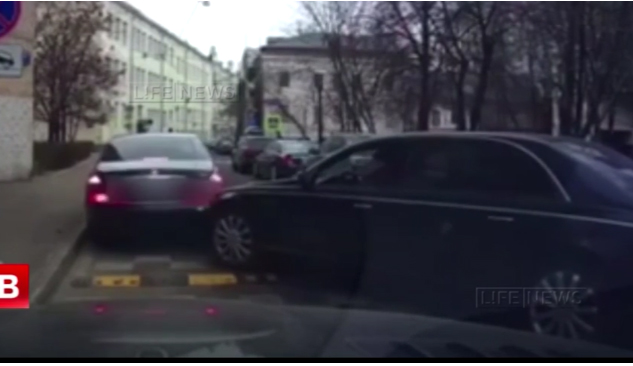 russia crush movie マイバッハ 動画 事故 クラッシュ ロシア