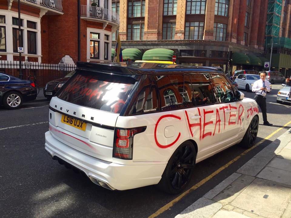 000_Range-Rover-Cheater-Boyfriend