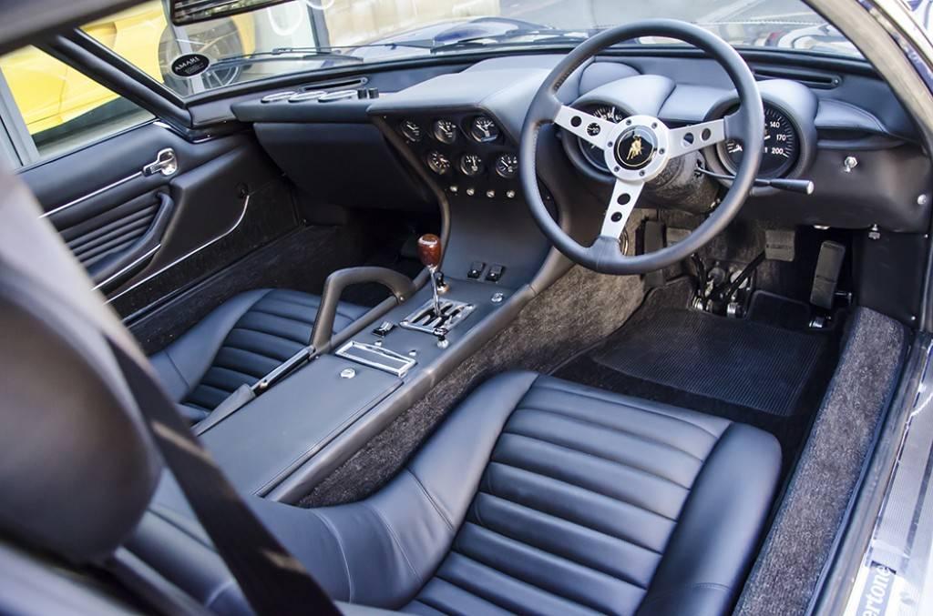 Lamborghini-Miura-SV-12