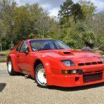 超レアなポルシェが販売に。17台のみ製造のスパルタンな「924 Carrera GTR」