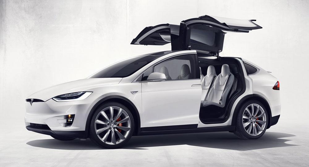 2015-Tesla-Spotify-06