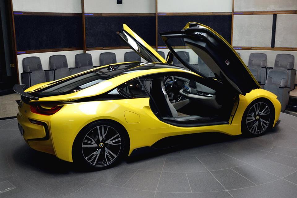 Yellow BMW i819