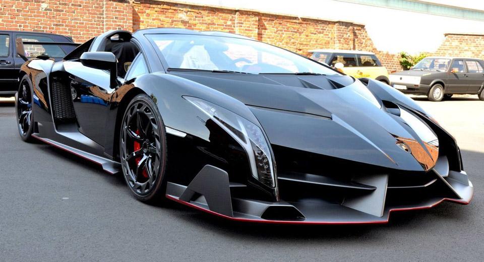2014-lamborghini-veneno-roadster-0