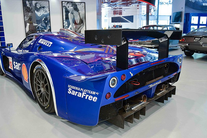 Maserati-MC12-GT1-3