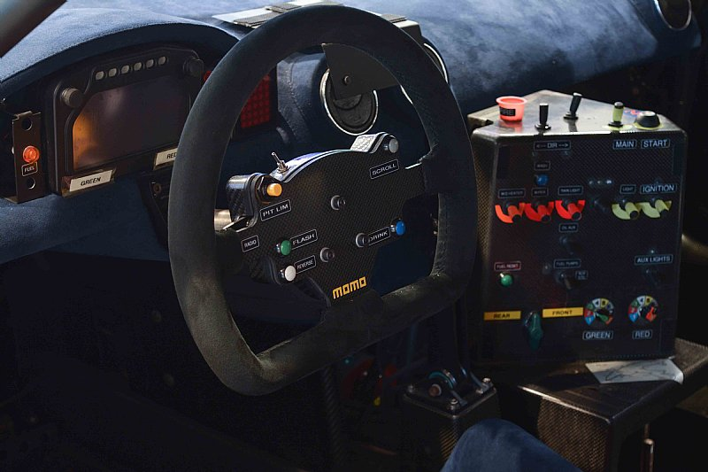 Maserati-MC12-GT1-7