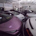 ハリケーンから逃れるためにディーラーがランボルギーニ38台を工場に「極限駐車」(動画あり)