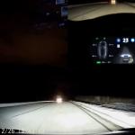 テスラの自動運転はこれだけ優秀。車線の見えない雪道を走行/人間より先に事故を察知する動画