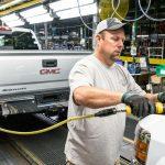 GMがトランプ圧力に屈する。アメリカに工場建設、パーツ工場もメキシコからアメリカに移転