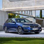新型BMW5シリーズ・ツーリング発表。リアにはセルフレベリング機構エアサス装備