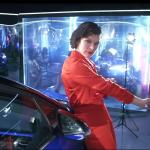 トヨタがミラ・ジョヴォヴィッチをC-HRのCMに起用。現実離れしたスタイリッシュな映像に(動画あり)