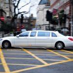 乗ってるの誰?ロンドンにて、超ストレッチのメルセデス・マイバッハS600が目撃に