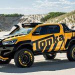 トヨタと玩具メーカーがコラボ。「実物大モデルカー」ハイラックス・トンカが公開に