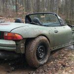 スポーツカー×リフトアップ。ワイルドなタイヤを装着したBMW Z3が中古にて販売中
