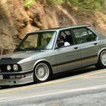 生産わずか4台。BMW M5ベースの希少なアルピナB7ターボがオークションに登場