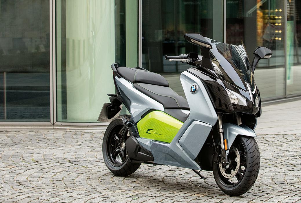 BMWが電動スクーター「C EVOLUTION」発表。i3と同じバッテリーを使用し148万円 - Life in the FAST LANE.