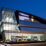 ランボルギーニが「世界最大」「ウルス対応」ドバイのディーラーをグランドオープン