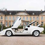 ホワイト内外装+金メッキのランボルギーニ・カウンタックが競売に。予想では7000万円