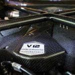 ランボルギーニ「可能な限り自然吸気エンジン、そしてV10とV12を存続させる」。親会社アウディとは異なる戦略を採用