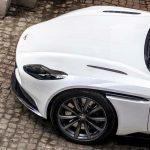 """アストンマーティン「AMGのエンジンサウンドは""""アストンらしく""""ない。だから吸排気を作り変えた」"""