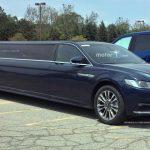 やたら長いリンカーンのリムジンがフォード本社で目撃される。この長さでも「4ドア」仕様