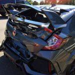 新型シビック・タイプRの事故第一号。ディーラーで車を引取り、家に帰るまでに追突された男
