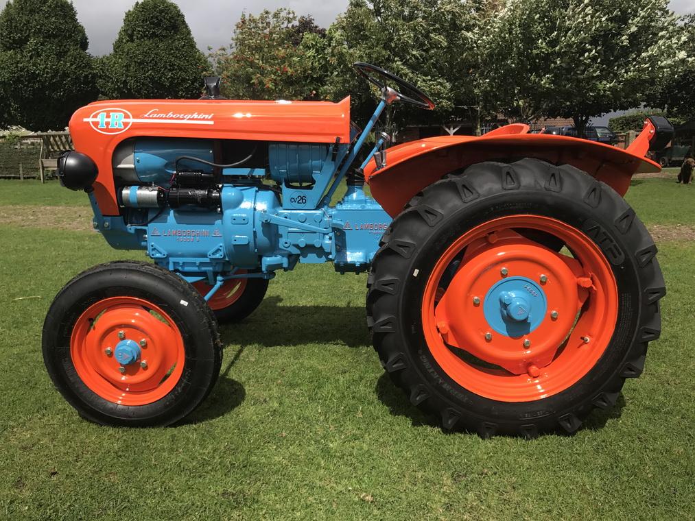 画像に alt 属性が指定されていません。ファイル名: lamborghini-1r-tractor-4.jpg
