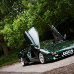 登録13台のみ、右ハンドルのランボルギーニ・ディアブロが競売に。珍しいグリーン
