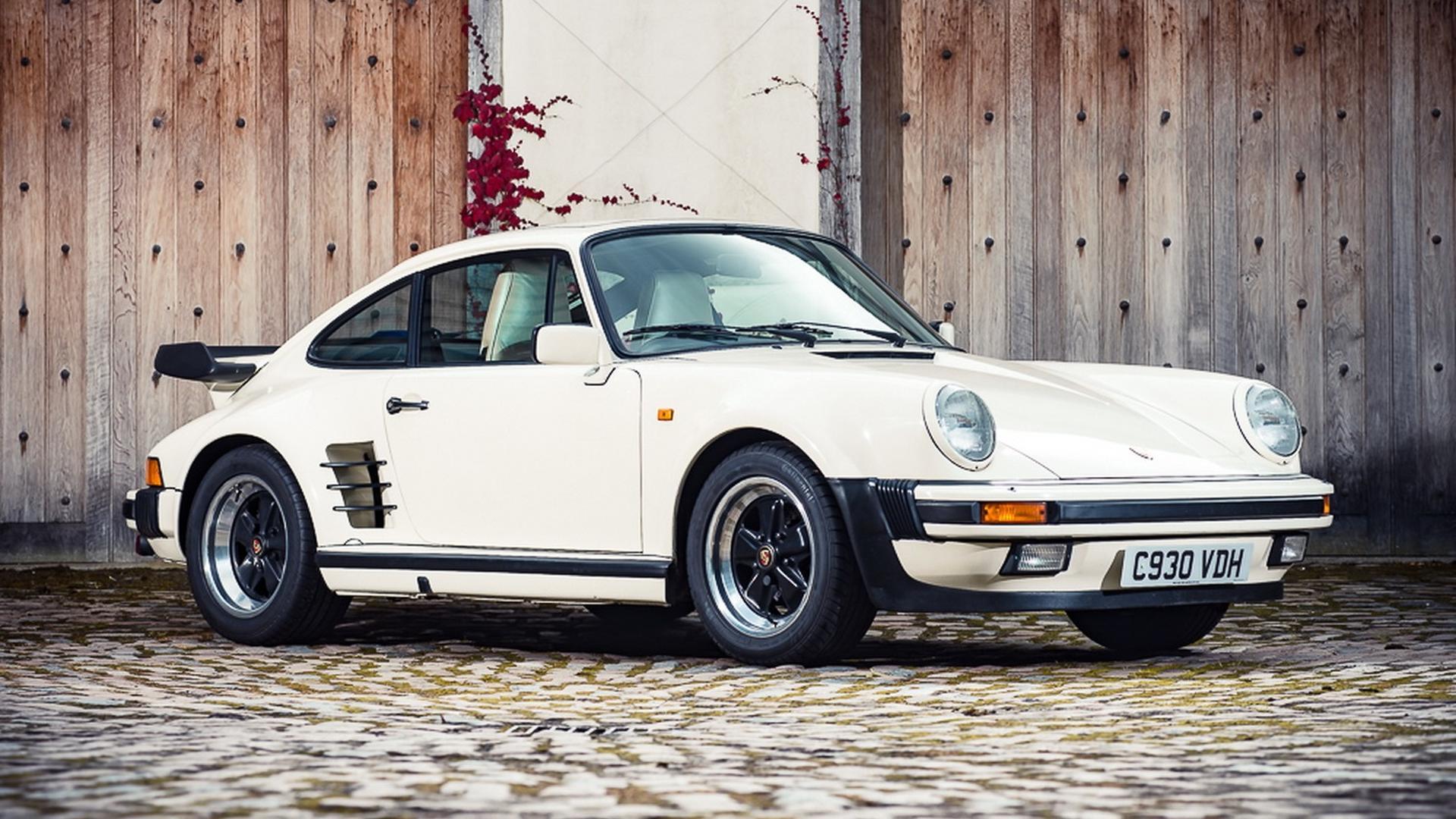 この画像には alt 属性が指定されておらず、ファイル名は 1985-porsche-911-turbo-se1.jpg です