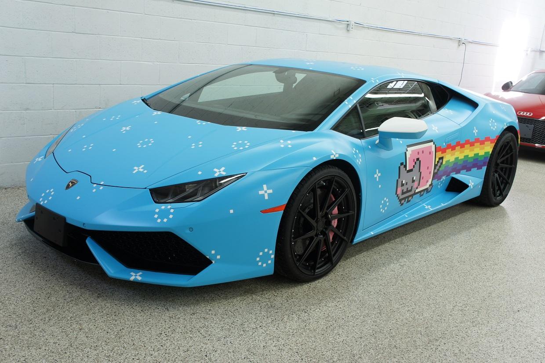 この画像には alt 属性が指定されておらず、ファイル名は Deadmau5-Lamborghini-Huracan-1.jpg です