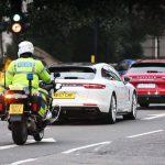 【動画】ポルシェが「ミニミニ大作戦」をロンドンで。3台のパナメーラが16億円相当の金塊を運ぶ