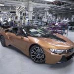 最初のi8ロードスターもラインオフ、BMW i8は毎日130台も作られていた!そんなに売れてたのBMW i8?