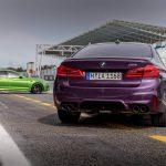 """BMWが純正カスタム""""インディビデュアル""""を強化?カラフルにペイントされたM5を公開"""