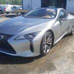 雹害に遭ったレクサスLC500が競売に。新車だと2000万円→現在の入札は250万円とかなりお得