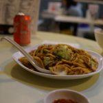 香港グルメ編、「新唯一麺家」。地元の食堂といった感じで低価格、メニューも豊富