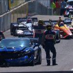 【動画】「史上最強のペースカー」、コルベットZR1がレース開催前のデモ走行でクラッシュ。ドライバーはGM重役