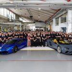 ランボルギーニ・ウラカンの生産は11,000台、アヴェンタドールは8,000台に。8,000台目は日本のオーナーへ