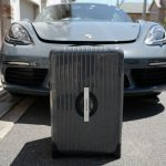 ポルシェ純正オプション、718ケイマンのトランクにぴったり収まるリモワのスーツケースを買ってみた