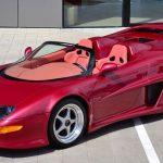 コルベットをミドシップ化したワンオフスーパーカーが存在。内装はサーモンピンク
