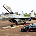 【動画】インド空軍がランボルギーニと戦闘機との加速勝負を公開。意外と「いい勝負」だった