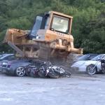 フィリピン大統領がまた6.5億円分の高級車を破壊。この現状について考えること