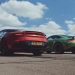【動画】アストンマーティンDBS、メルセデスAMG GT Rが加速対決。ターボエンジン、FRそして重量など共通点が多い勝負の行方は?