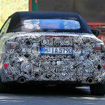新型BMW 4シリーズ・カブリオレのスパイフォト。プラットフォームは5シリーズと共有、トップは「ソフト」に