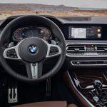 新型BMW3シリーズの内装が先行公開!お約束の巨大ディスプレイにアンビエント照明