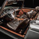 貴重かつ希少なメルセデス・ベンツSL230の内装をハードにカスタム!重厚かつ豪華な雰囲気に