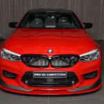 BMWアブダビが「世界初」BMW M5コンペティションのカスタム公開。ローダウンにフルエアロの王道