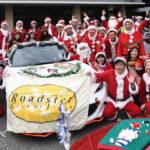 ロードスターのオーナーがクリスマスの装飾とサンタの扮装で街を走る!「ロードスター・サンタプロジェクト」開催