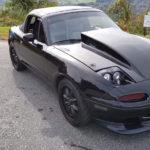 【動画】このモッコリフードを見よ!初代マツダ・ロードスターに6.7リッターV8エンジンをスワップしたカスタムカーが230万円で販売中